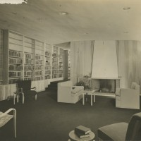 Library Browsing Room. Unidentified Photographer. Photograph. 27 x 35 cm. ca. 1941.